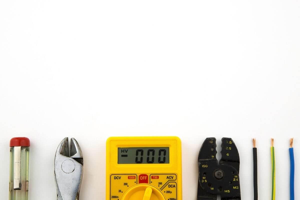 Elektrofachkraft für festgelegte Tätigkeiten